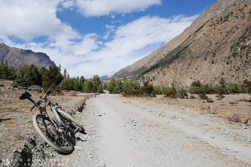 09-bhatrang-landscape-mountain-biking-annapurna-circuit-foto-radu-dumitrescu