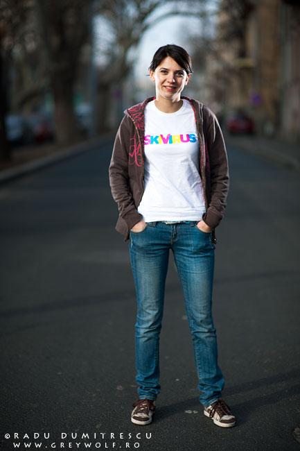 imagine de prezentare pentru tricourile skivirus, obtinute in urma unei sedinte foto outdoor realizata de Radu Dumitrescu
