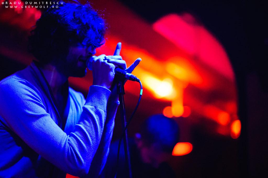 Imagine de la concertul Loungerie II din Club Panic - lumina albastră cu portocaliu, de Radu Dumitrescu