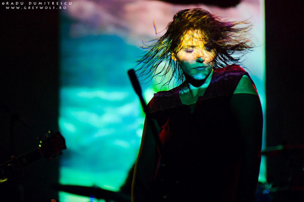 Imagine de la concertul Loungerie II din club Panic, București.
