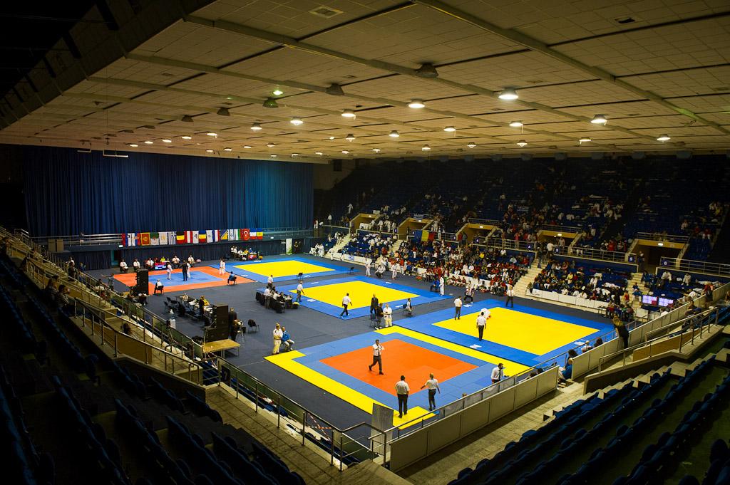 Poza cu sala polivalenta in timpul campionatului balcanic de ju-jitsu 2012 - Radu Dumitrescu