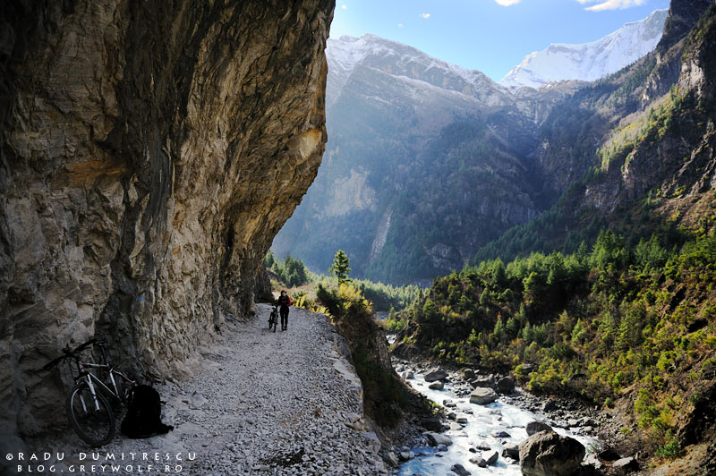 06-landscape-bhatrang-river-biking-annapurna-circuit-foto-radu-dumitrescu