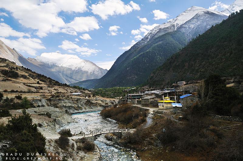 15-landscape-nepal-lower-pisang-house-manang-mountain-annapurna-circuit-foto-radu-dumitrescu