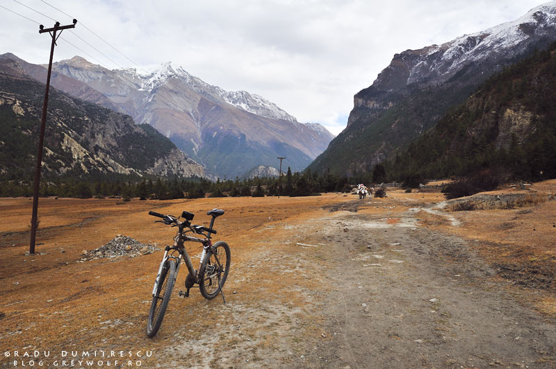 19-mountain-biking-annapurna-circuit-foto-humde-manang-radu-dumitrescu