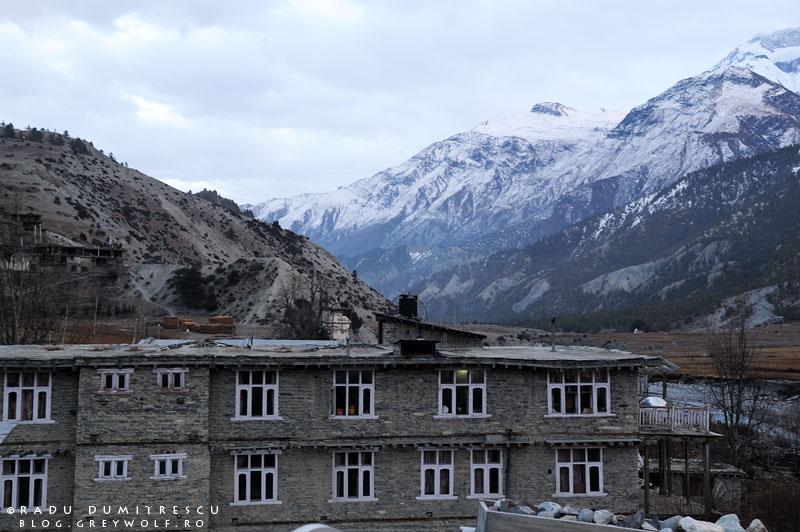 29-landscape-himalaya-braka-guest-house-lodge-tea-sunset-manang-mountain-biking-annapurna-circuit-foto-radu-dumitrescu