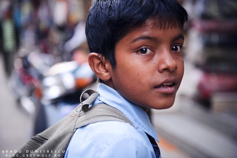 Imagine cu un băiat în Kathmandu, Nepal, 2010.