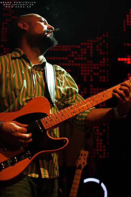 Chitaristul Jimmy Cserkesz - URMA, în timpul concertului aniversar 10 ani, Silver Church, București.
