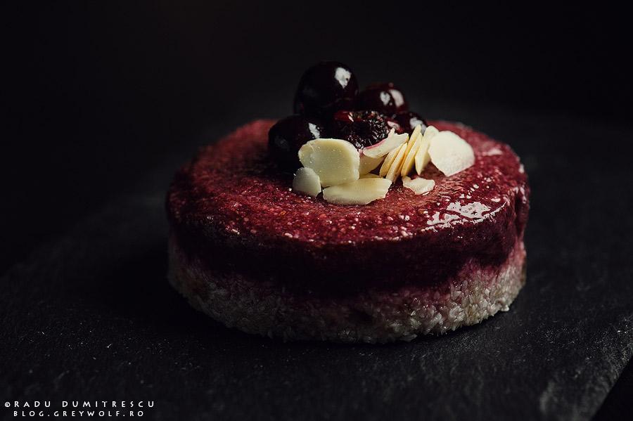 fotografie cu mancare prajitura raw vegan pentru PlayBake - de Radu Dumitrescu
