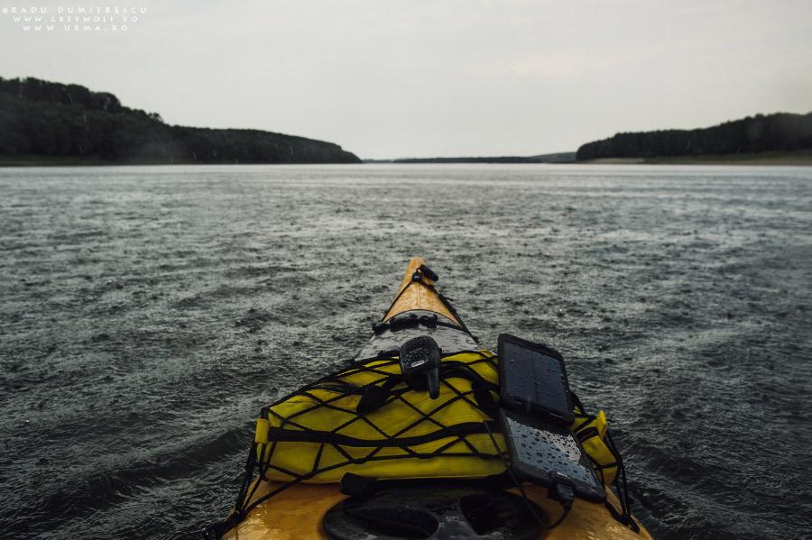 kayak pe dunare Coockoo Foundation