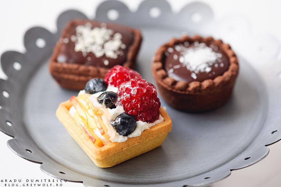 Fotografie cu tarte pentru candy bar - cofetăria PlayBake. Fotograf Radu Dumitrescu - fotografii cu prajituri