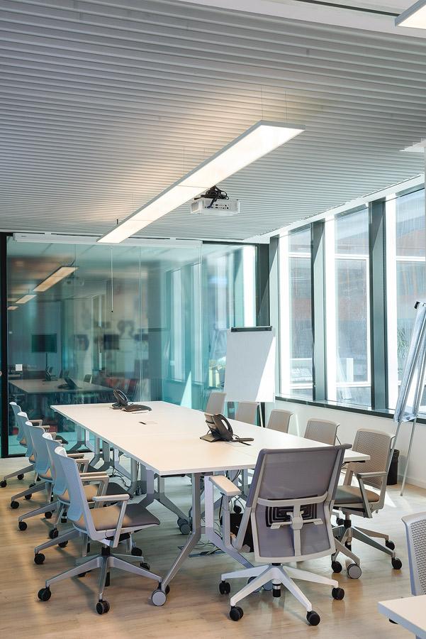 Fotografie cu sala de ședințe Colgate România.